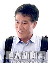 【聚焦师德师风道德模范】殷坤龙:...